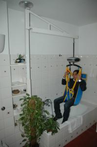 Imbracature girevoli per disabili, piantana per doccia girevole